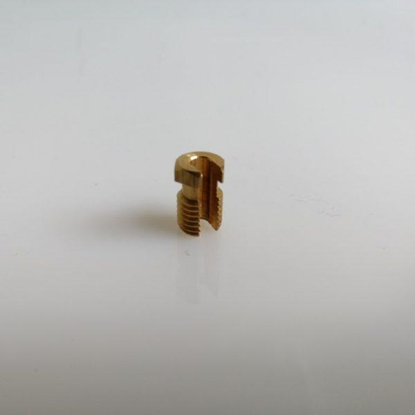 Hasított csavar M8x1